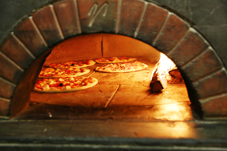 Ristorante tutto bono ristorante di carne e pesce a firenze for Temperatura forno pizza
